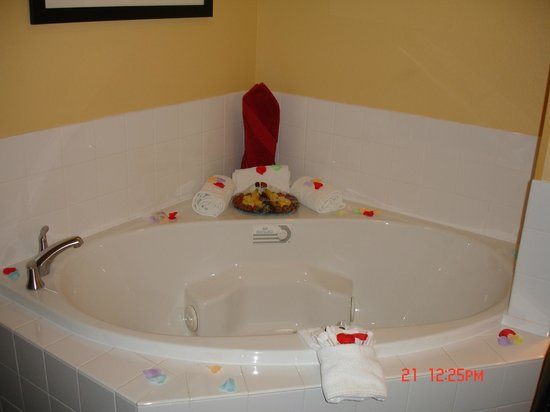 SpringHill Suites by Marriott New Bern: in the room Tub
