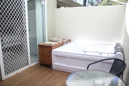 Nelson Bay Bed and Breakfast: Yacaaba Spa Area
