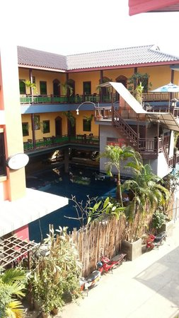 Lanna Boutique Resort: the main building from new building
