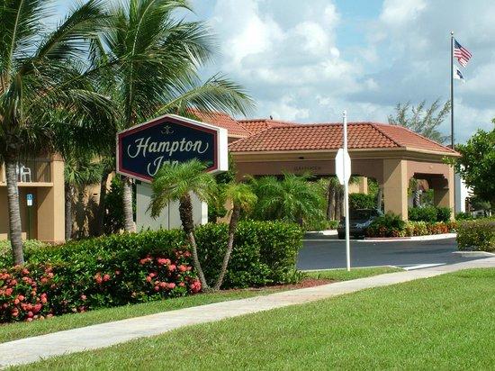 Hampton Inn Jupiter/Juno Beach: Hotel Exterior