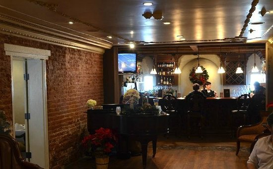 The Mansion Restaurant at Nottoway: Restaurant bar
