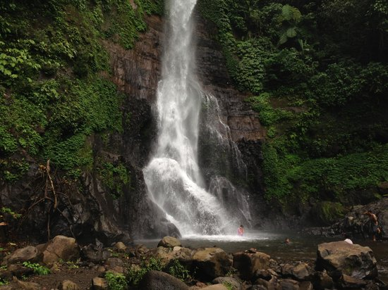 Gitgit Waterfall: dont forget to refresh urself on this fabulous pure water
