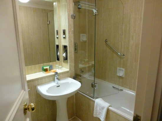 Harrington Hall Hotel: bathroom