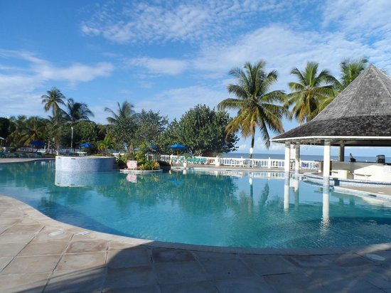 Turtle Beach by Rex Resorts: Lovely pool