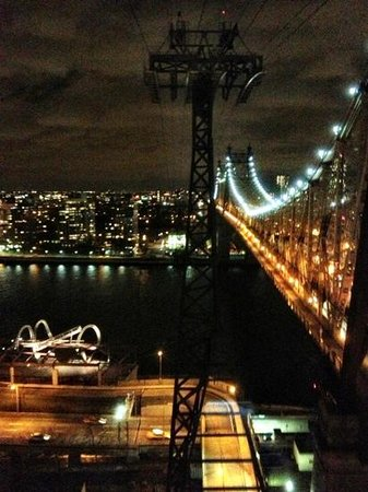manhattan to roosevelt island on tram picture of the roosevelt rh tripadvisor co nz