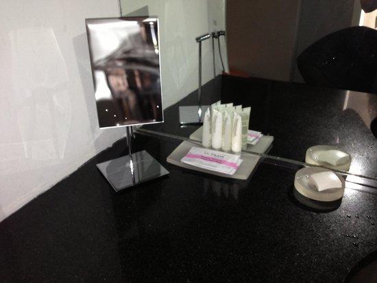 代瓦酒店照片