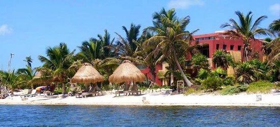 Sin Duda Villas: Beach palapas and Sin Duda