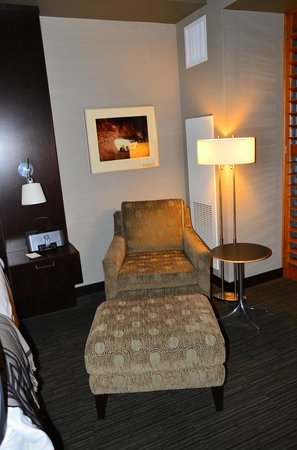 Talking Stick Resort: Second chair in room with king size bed