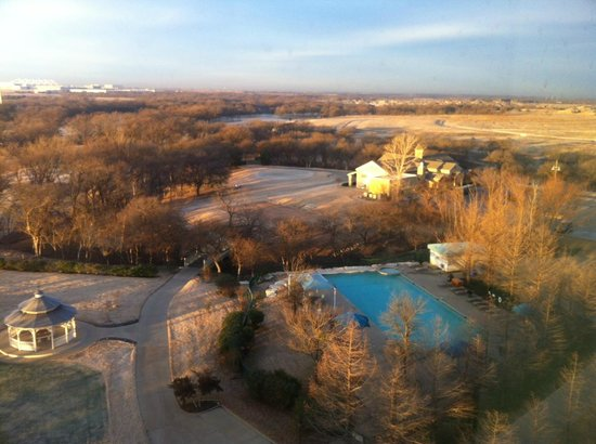 Dallas/Fort Worth Marriott Hotel & Golf Club at Champions Circle: View from 8th floor south room.  Spectacular!