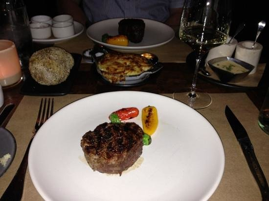 J & G Steakhouse at the Phoenician: New Year's Day dinner