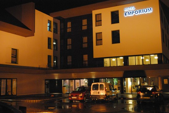 Hotel Emporium: from the outside