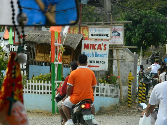 Microtel Inn & Suites by Wyndham Boracay: Turn left here to reach hotel