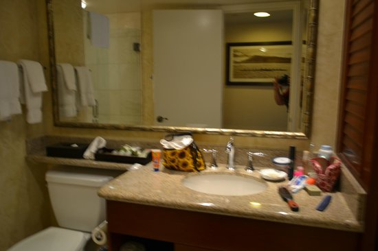 Outrigger Waikiki Beach Resort: Bathroom