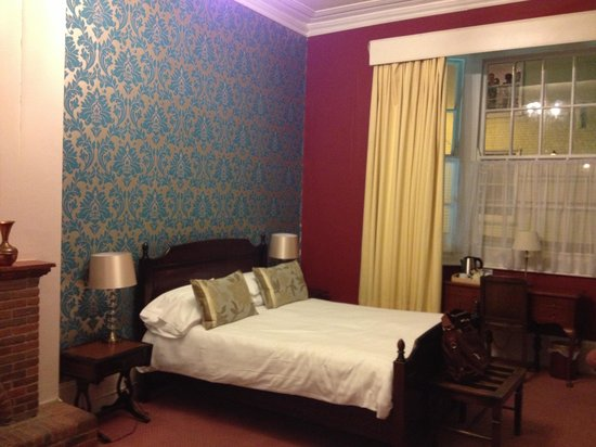 Kings Arms Hotel: Our room no 2
