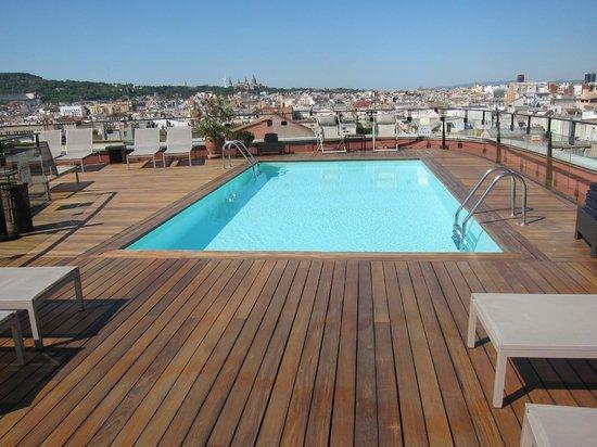 هوتل 1898: Rooftop pool