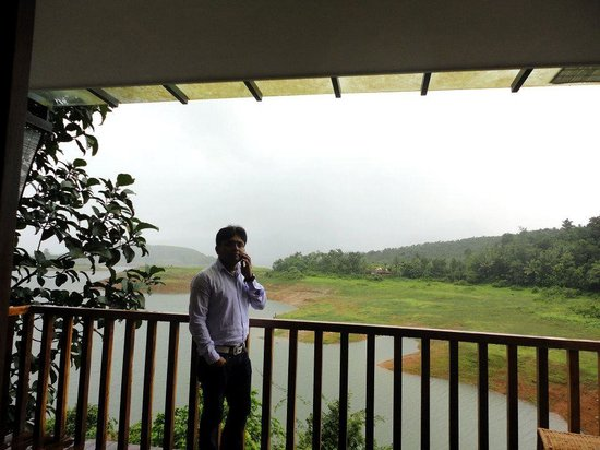 Wayanad Silverwoods: Lake View from Balcony