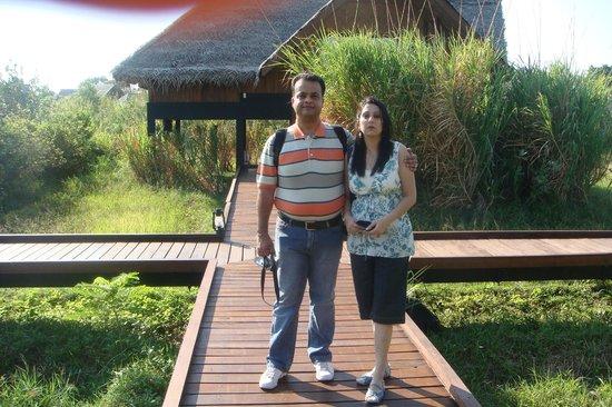 Jetwing Vil Uyana: Pathway connecting Villas . . .