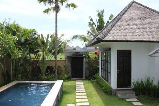 The Bidadari Villas and Spa : Villa in the Day and Pool