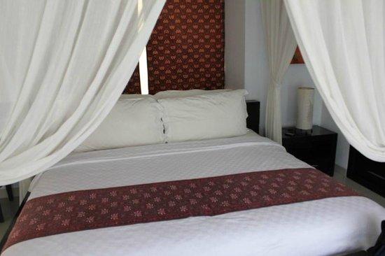 The Bidadari Villas and Spa : Queen Size Bed