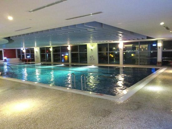 Hotel Novotel Taipei Taoyuan International Airport: Lap pool on 2nd floor