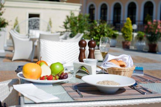Villa Elena Hotel & Residences: breakfast