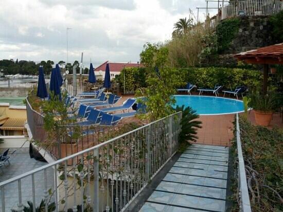 Aragona Palace Hotel: la piscina esterna