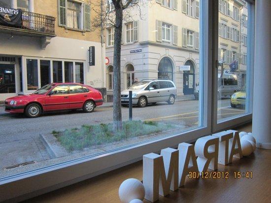 Hotel Marta: view from lobby