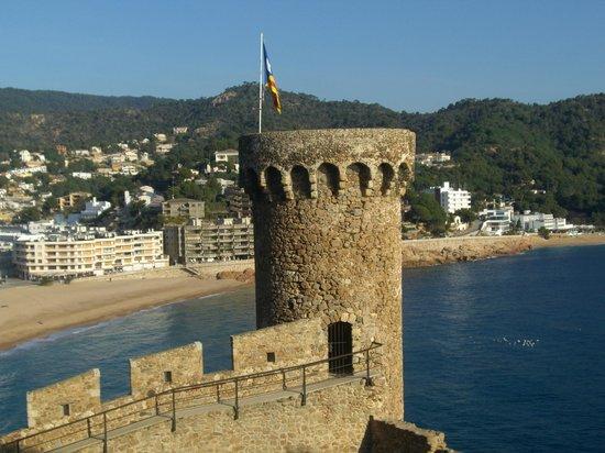 Castillo de Tossa de Mar: murallas de tossa de mar