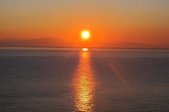 Santa Caterina Hotel: sunrise from the room