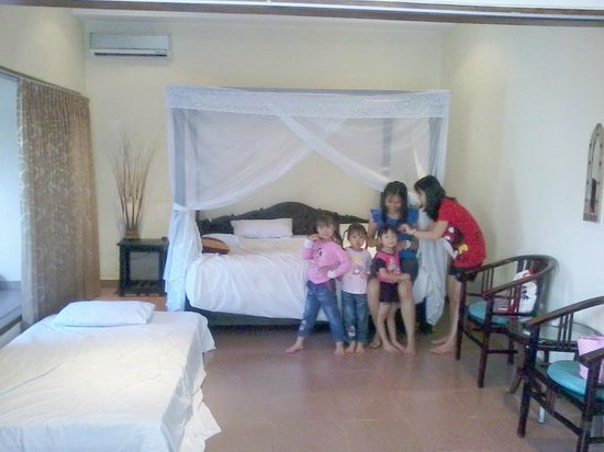 Hotel Melamun: 1 Of  Big Family Room With Extra Bed