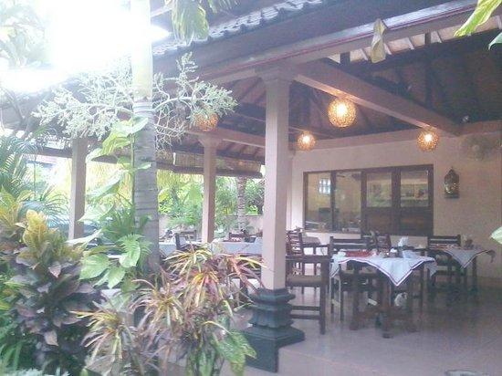 Hotel Melamun: Very Humble Breakfast Area