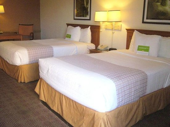 bedding picture of la quinta inn by wyndham san antonio market rh tripadvisor com