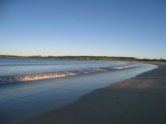 South Shellharbour beach - three minute walk
