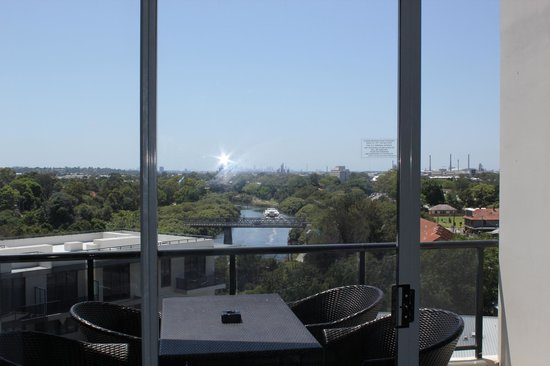 Meriton Serviced Apartments George Street, Parramatta: View from the lounge
