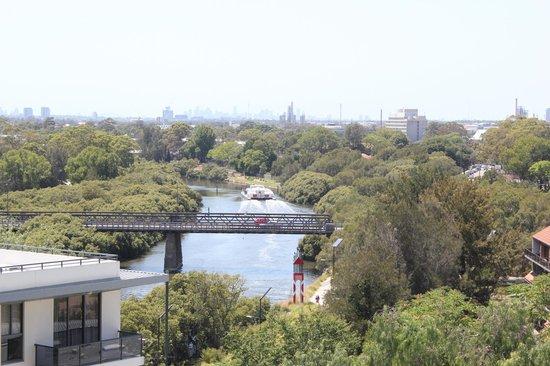 Meriton Serviced Apartments George Street, Parramatta: Parramatta river