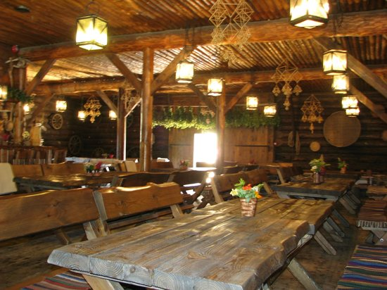 Viitna Korts: View of the main restaurant hall-2