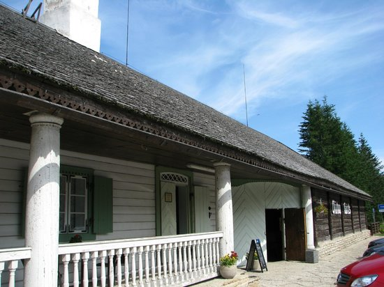 Outside view of Viitna Korts