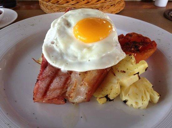 Wanakarn Beach Resort & Spa: English style breakfast - lovely