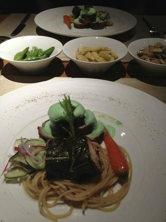 Wanakarn Beach Resort & Spa: Creative chef creations... very tasty