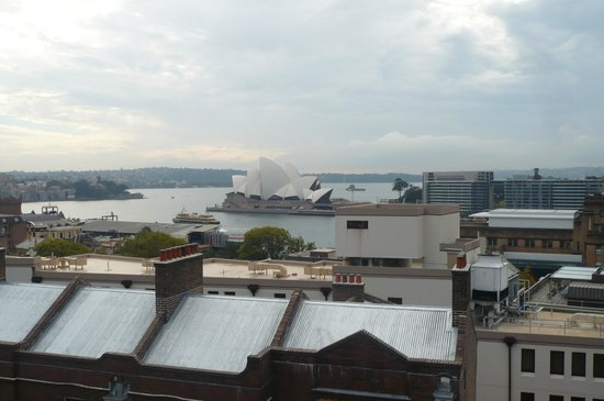 Sydney Harbour YHA: Rooftop Terrace view