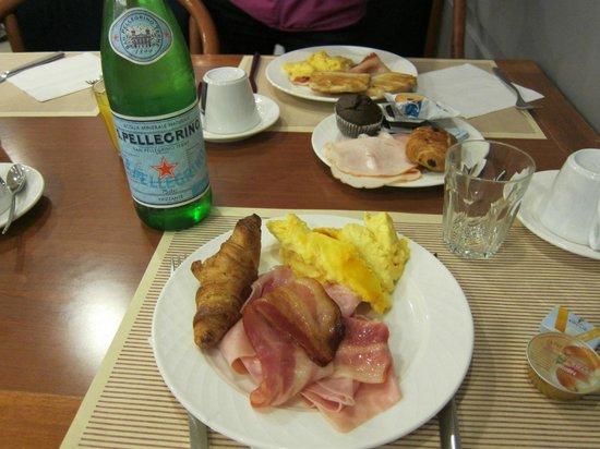 Novotel Venezia Mestre: Very good breakfast