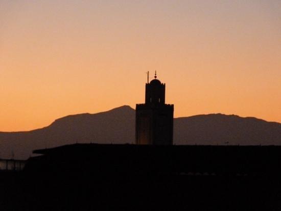Riad Dar El Aila : levé du soleil vu de la terrasse