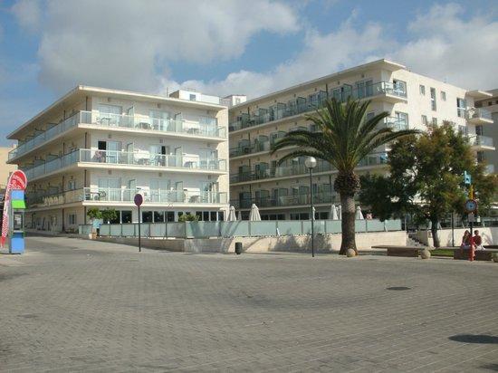 Hotel Som Fona: Hotel mit Pool