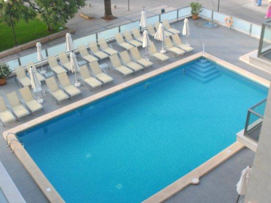 Hotel Som Fona: Pool
