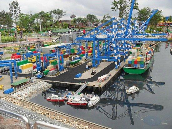Miniland - Singapore docks - Picture of Legoland Malaysia ...