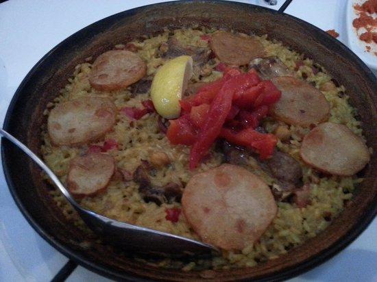 Serenity Spanish Bar & Restaurant: Pork Ribs Paella