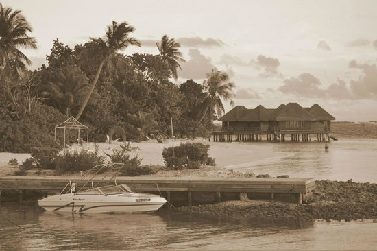 Bandos Maldives: Beach by Watersports