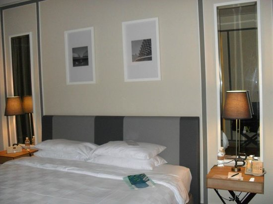 Orchard Hotel Singapore: Bedroom