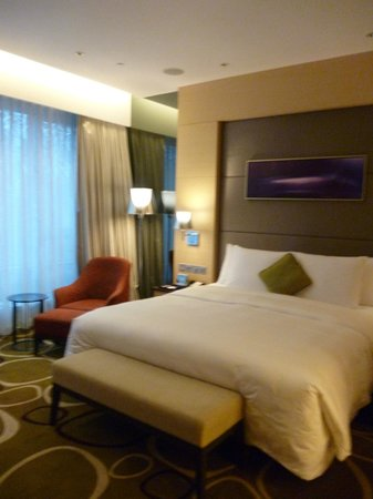 Crowne Plaza Hotel Hong Kong Causeway Bay: bedroom