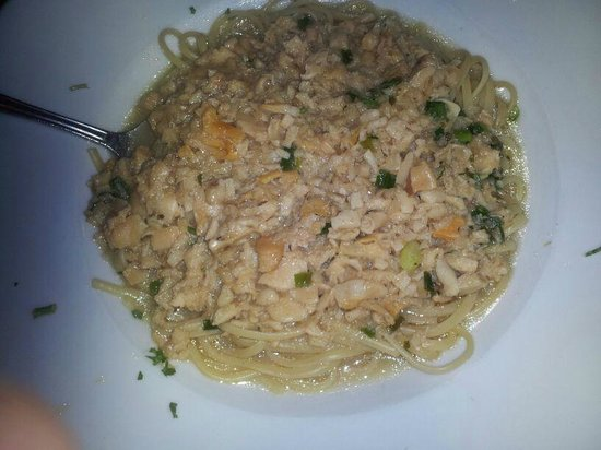 Frank's Grill: Linguine and clam sauce